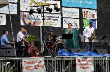 Shawnn Monteiro (Vocals), Jimmy Cobb (Drums), Javon Jackson (Tenor Saxophone) Dave Zinno (Bass)